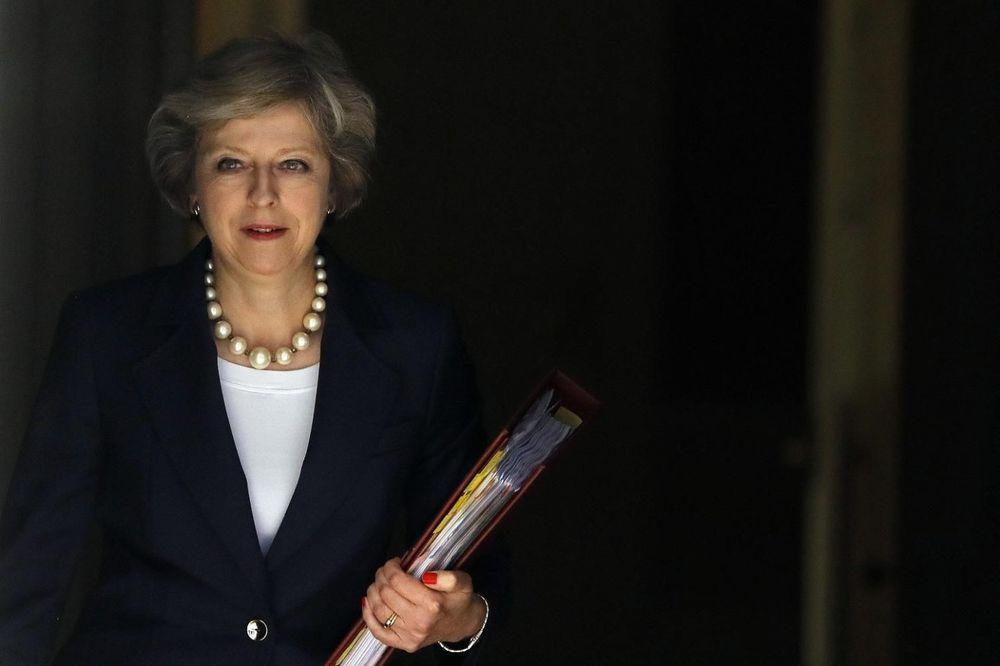 BRITANSKA PREMIJERKA: Ne moram, ali ću saslušati parlament o Bregzitu