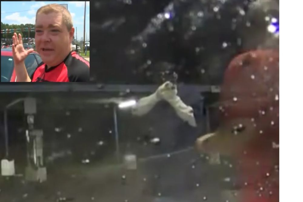(VIDEO) PRSKAJ PO LOPOVIMA! Oduševićete se kad vidite kako se odbranio od naoružanih pljačkaša