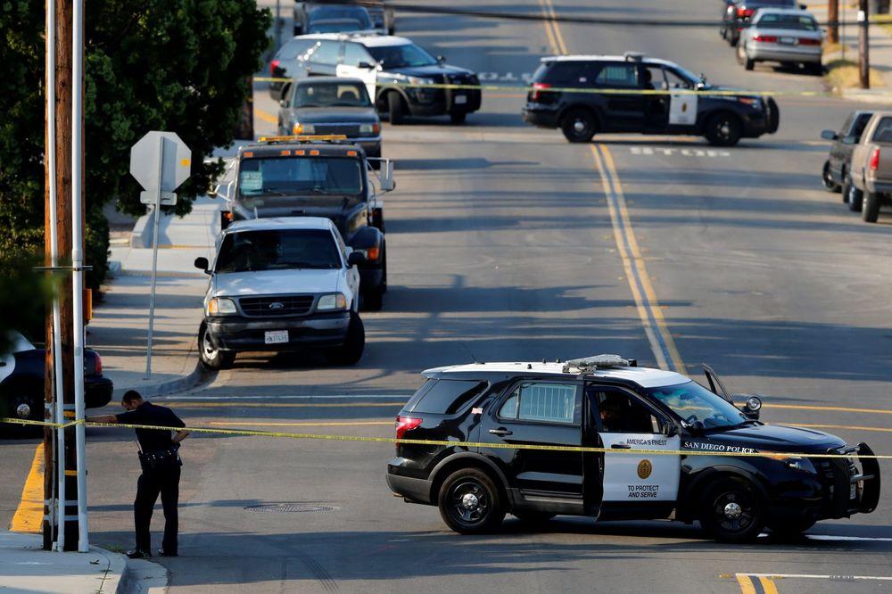 PUCNJAVA TOKOM RUTINSKE KONTROLE: Ubijen policajac u San Dijegu, drugi ranjen