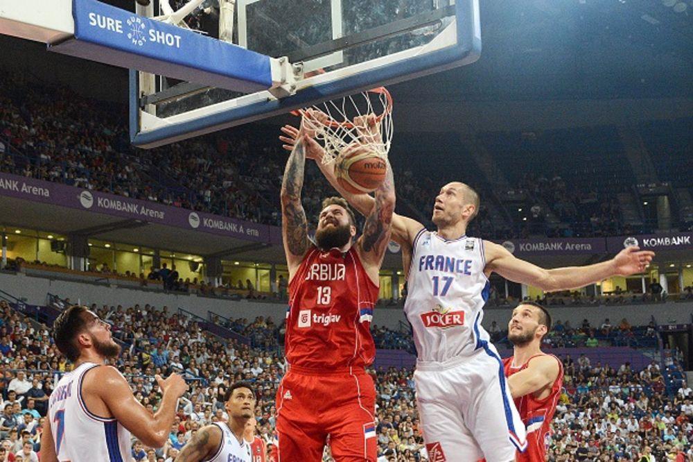 (VIDEO) ORLOVI TREĆI PUT OČERUPALI PETLOVE: Košarkaši Srbije stotkom opet bolji od Francuza