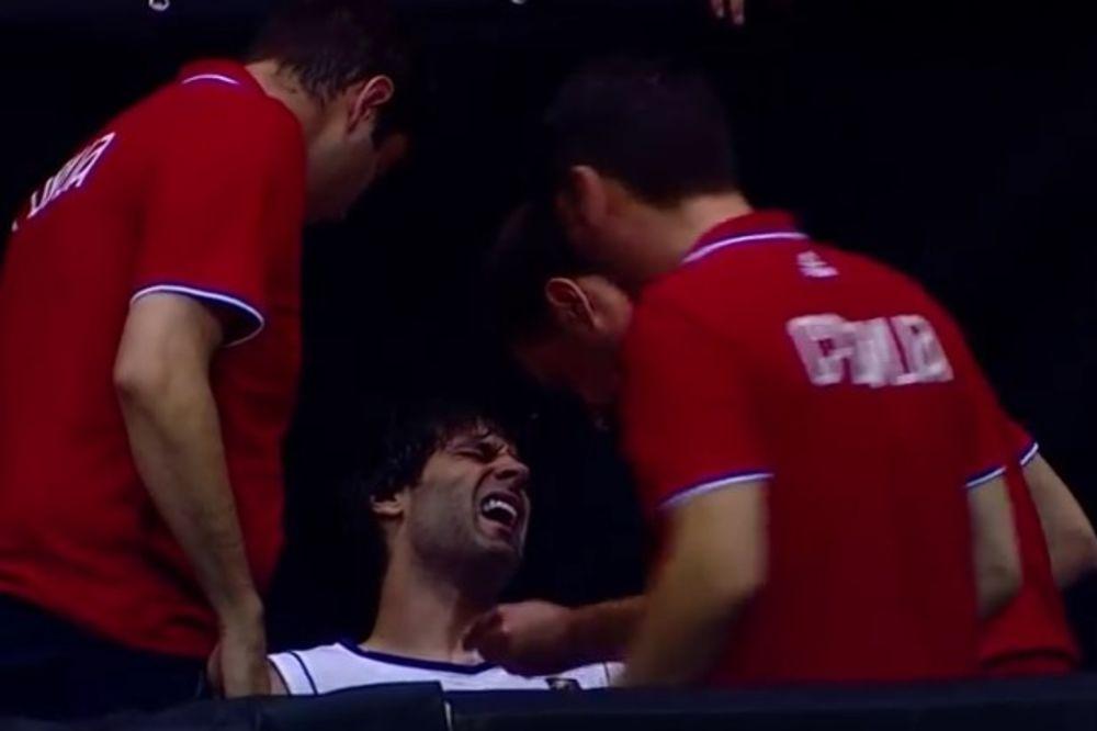VIDEO  Poraz orlova od Argentine, Teo povredio ruku pred Igre! Uhvatio se za šaku, istrčao sa terena
