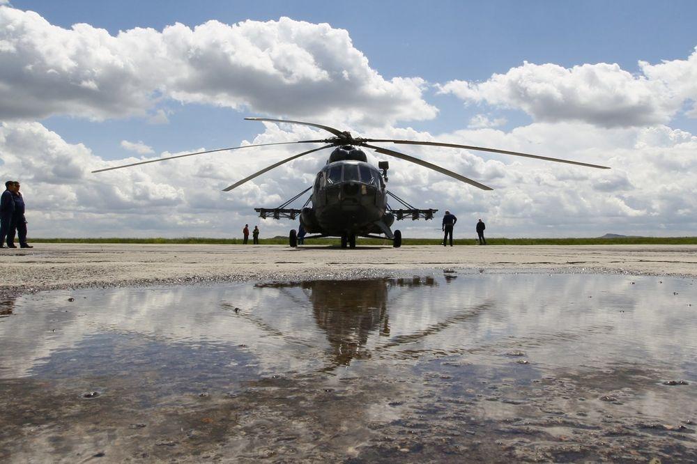 TRAGEDIJA U ČEŠKOJ: Dve osobe poginule u padu helikoptera!
