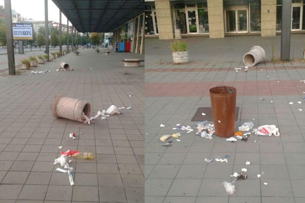 (FOTO) VANDALIZAM KOD NOVOSADSKOG SAJMA: Prevrnute korpe sa smećem, đubre na sve strane