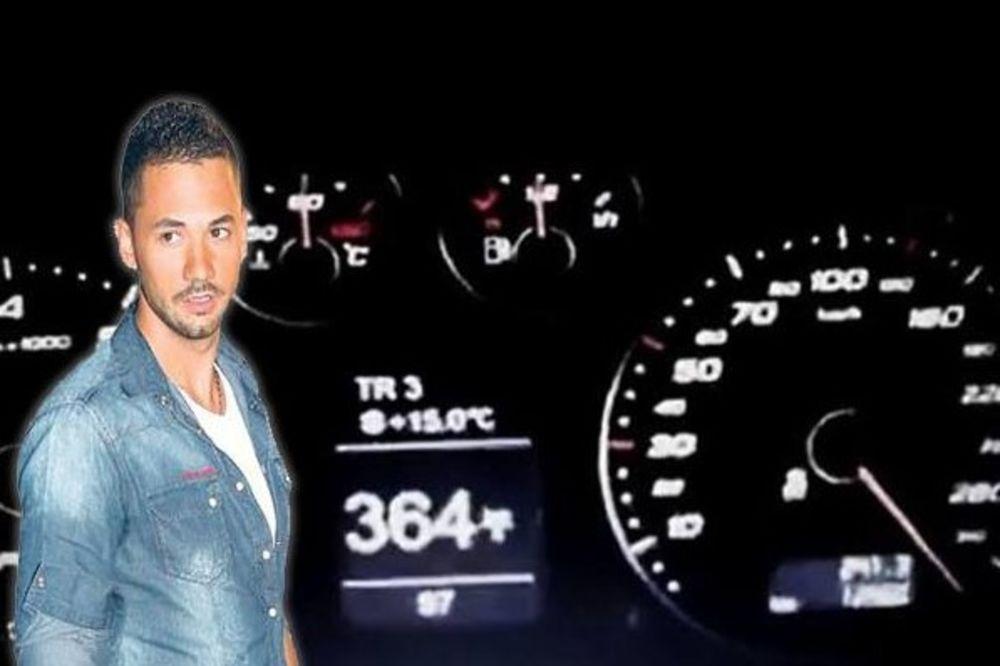 (FOTO) ACA ŽIVANOVIĆ DIVLJA NA PUTU: Pevač vozi 300 na sat i time se hvali