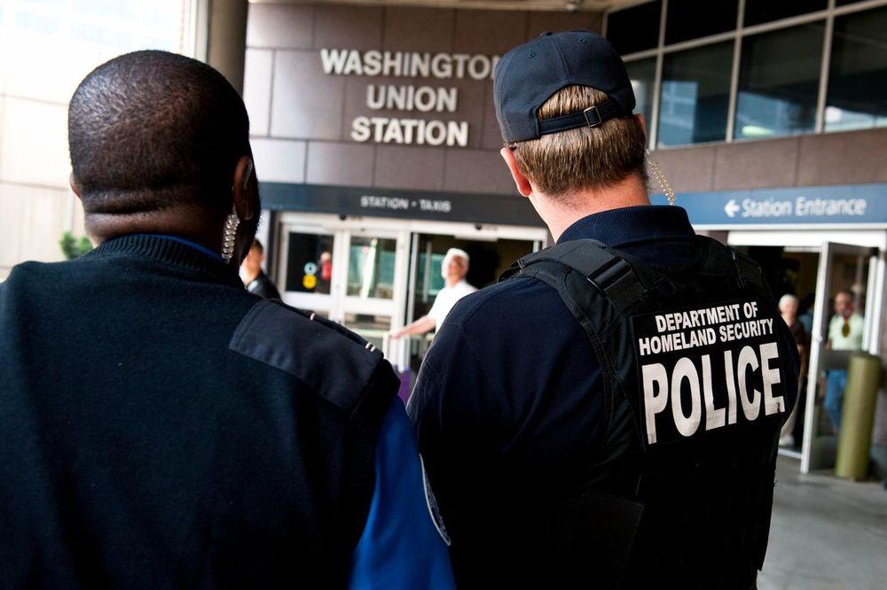 TEŠKA ZLOUPOTREBA POLOŽAJA: Policija širom SAD koriste poverljive baze podataka u privatne svrhe