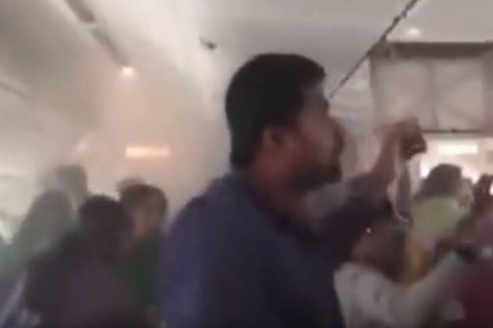 (VIDEO) STRAH, PANIKA I VRISKA: Objavljen stravičan snimak iz zapaljenog aviona u Dubaiju