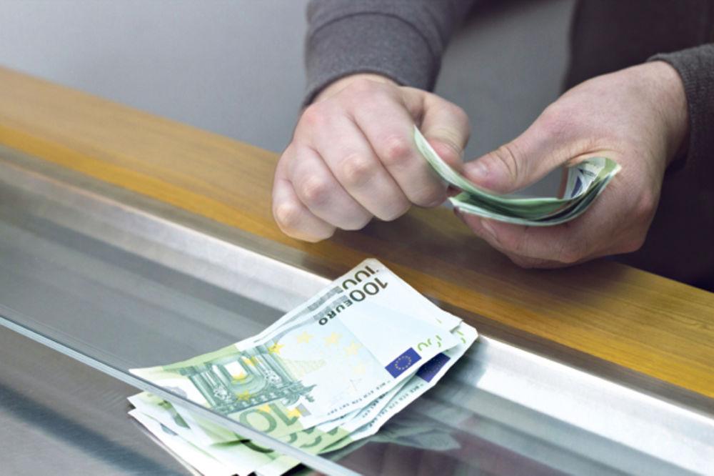DINAR OSLABIO: Evro danas 123,23 po srednjem kursu