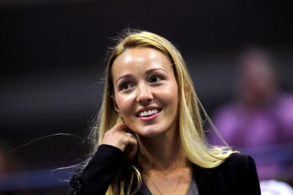(FOTO) IZAZVALA BURNE REAKCIJE: Pogledajte čime je Jelena Đoković podelila fanove