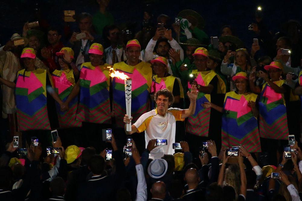 (VIDEO) LEGENDA BRAZILSKOG TENISA: Ovo niste znali o sportisti koji je uneo baklju na Marakanu