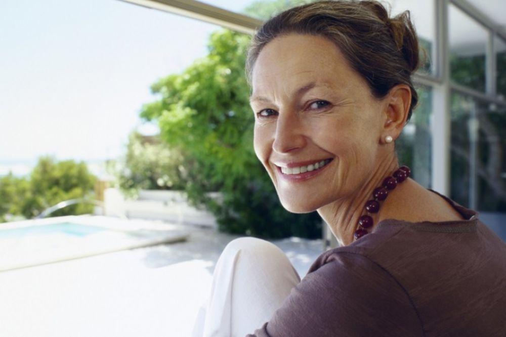 Za jedan dan, bol u kolenima i zglobovima je nestao: Presrećna žena svima otkrila recept!