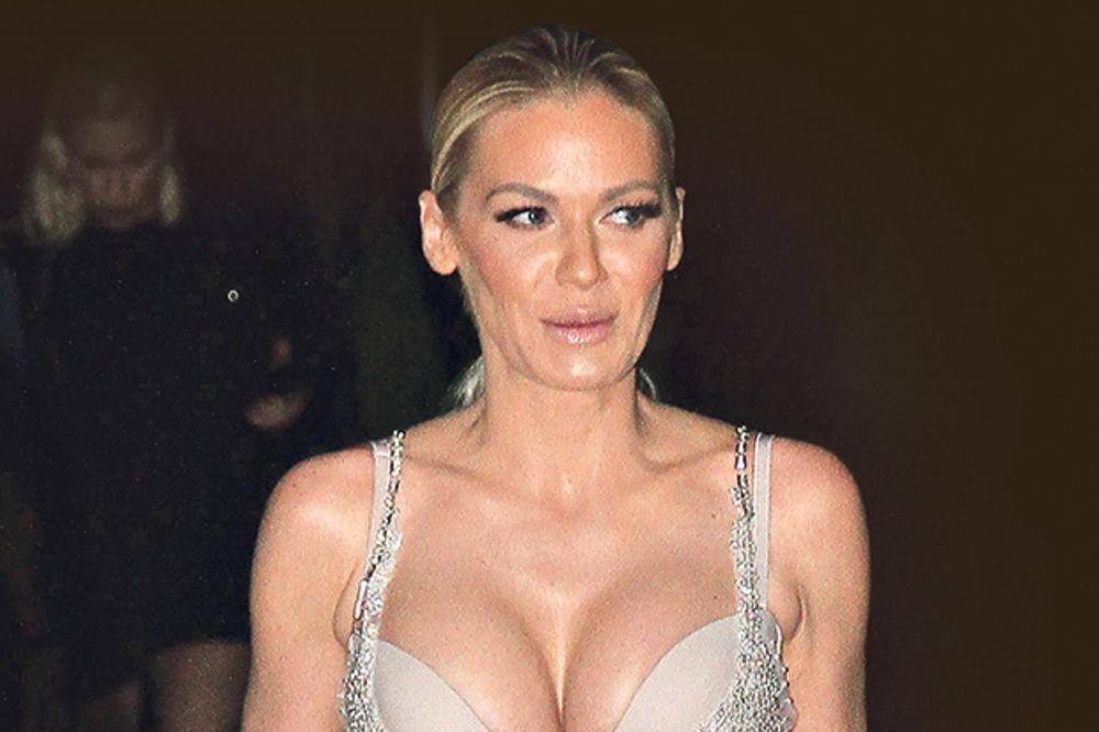 BEZ KONTROLE: Nataša Bekvalac opet glumi zvezdu