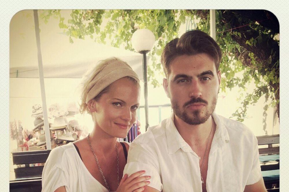SREĆAN KRAJ ZA RIJALITI PAR: Marijana i Nemeš se venčali u Istri
