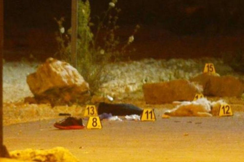 (FOTO) STRAVA U PULI: Autom pokosio pešake na trotoaru!