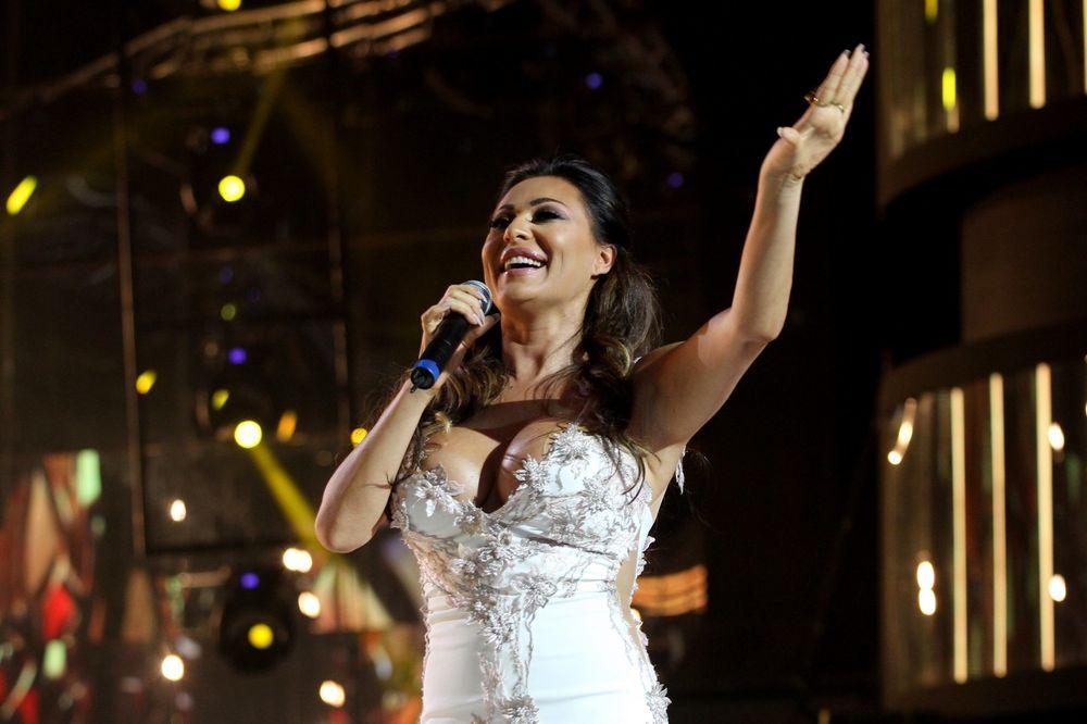 (VIDEO) CECA ODUŠEVLJENA GRUJIĆEM: Evo šta je uradila kad je čula da fudbaler peva Beograd!
