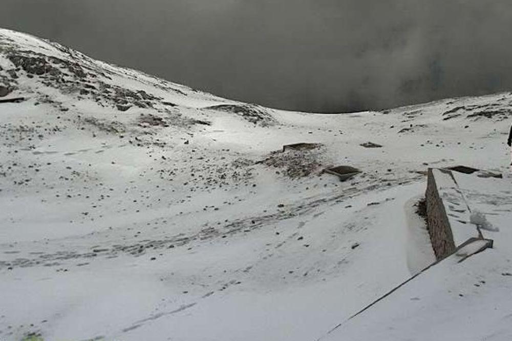 (FOTO) IZ LETA U ZIMU: U Sloveniji pao sneg!