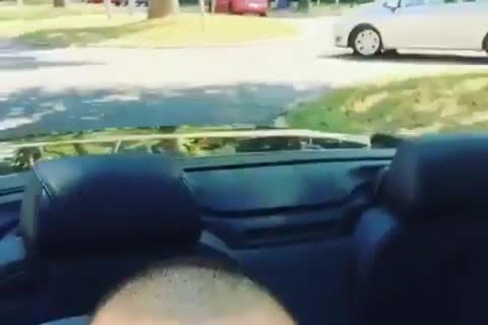 (VIDEO) OBJAVIO SNIMAK IZ KABRIOLETA: Veljko se pohvalio novim automobilom kojim jurca po gradu