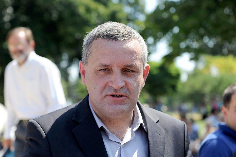 LINTA: Skandalozna, ali očekivana odluka hrvatske vlade da ustaški pozdravi nisu krivično delo