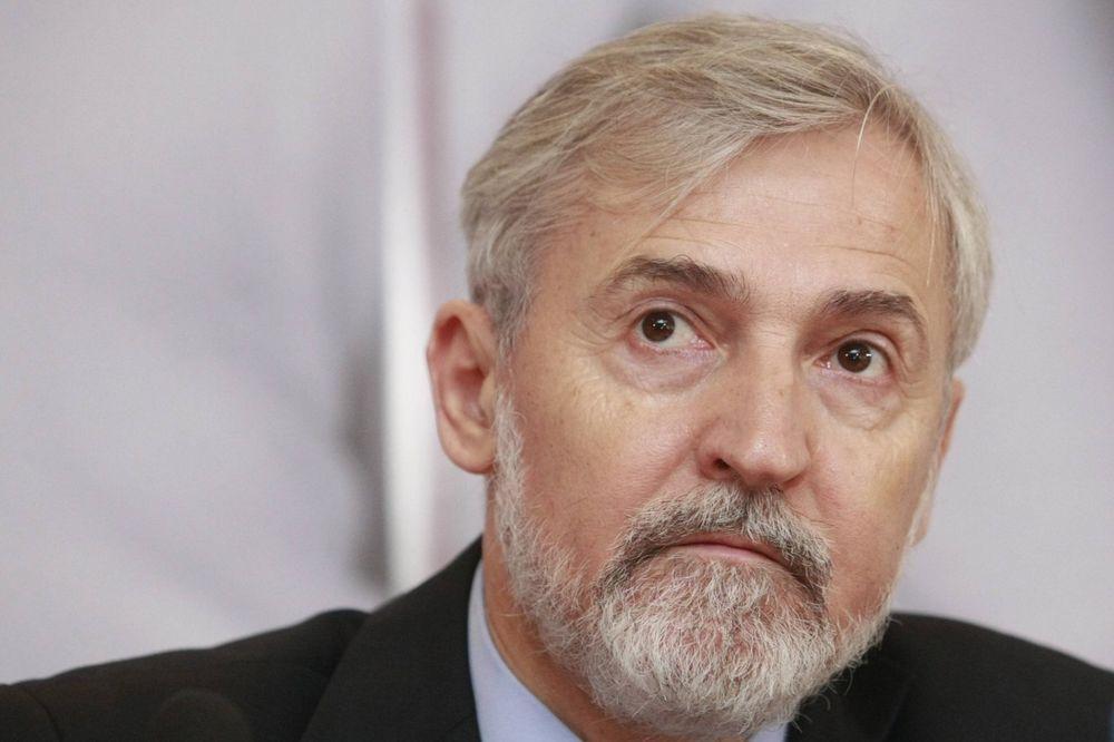 OMEROVIĆ: Ugljanin direktno optužuje Srbiju za organizovanje navijača
