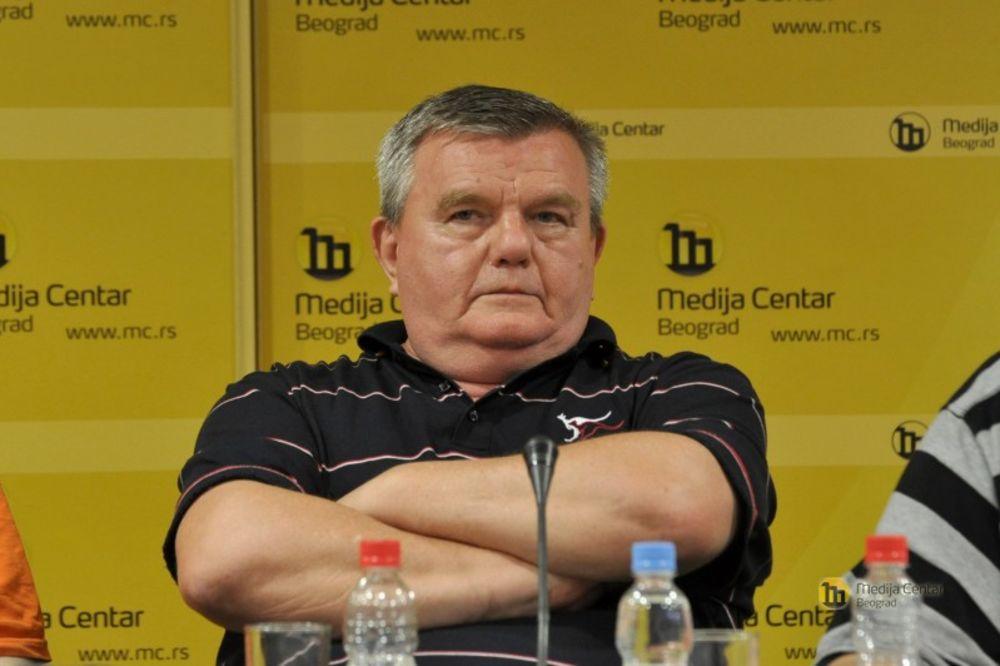 HITNO Beogradskom uredniku i novinaru Ivanu Mrđenu potrebna AB+ krvna grupa