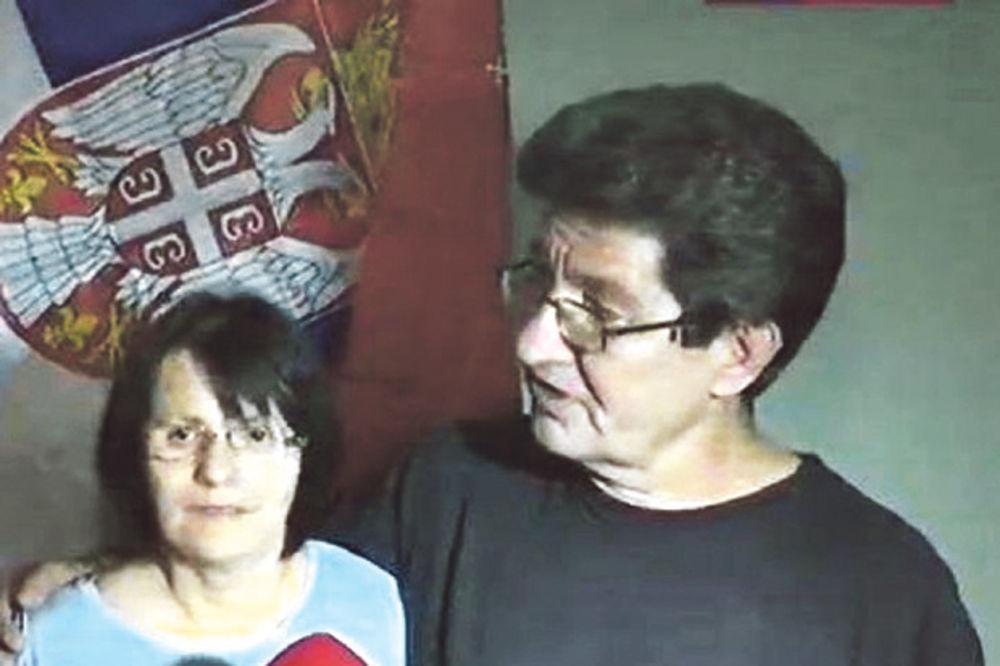 Ponosni roditelji... Davorova majka Đendika i otac Damir