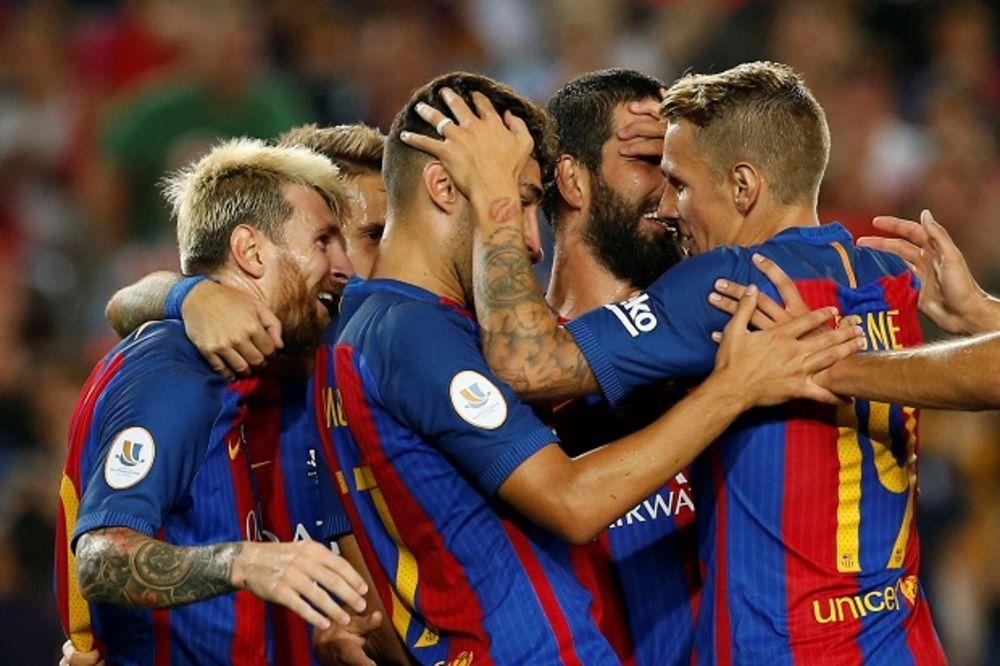 (VIDEO) PRVI TROFEJ U SEZONI: Barselona pobedila Sevilju i osvojila Super kup Španije