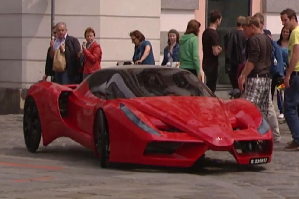 (VIDEO) UZ POMOĆ ŠTAPA I KANAPA: Ovo je najsporiji sportski automobil na svetu