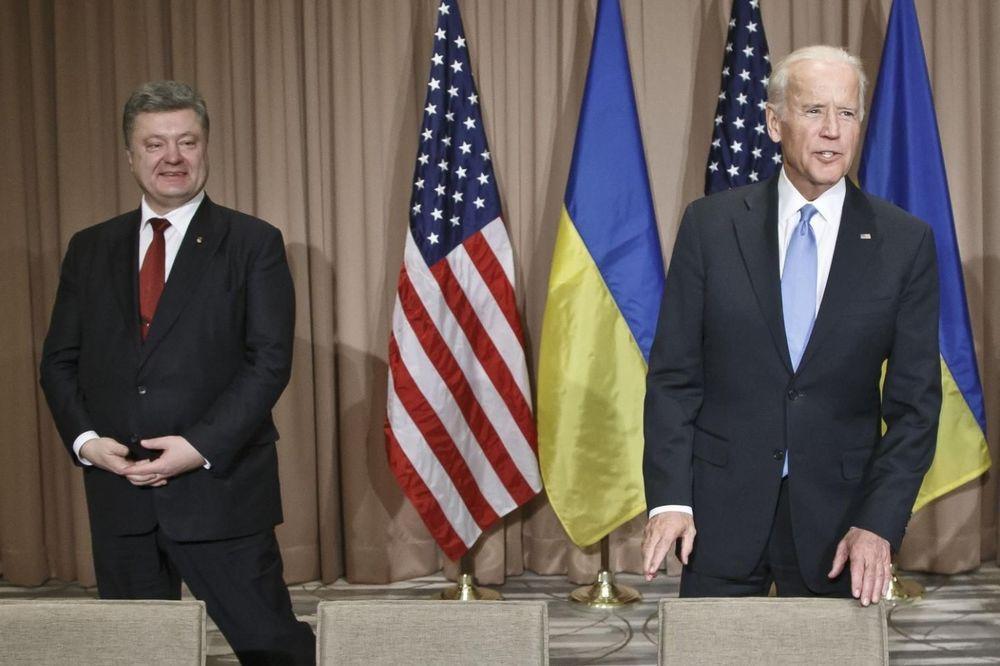 BAJDEN POZVAO POROŠENKA: Hitno okončati tenzije sa Rusijom