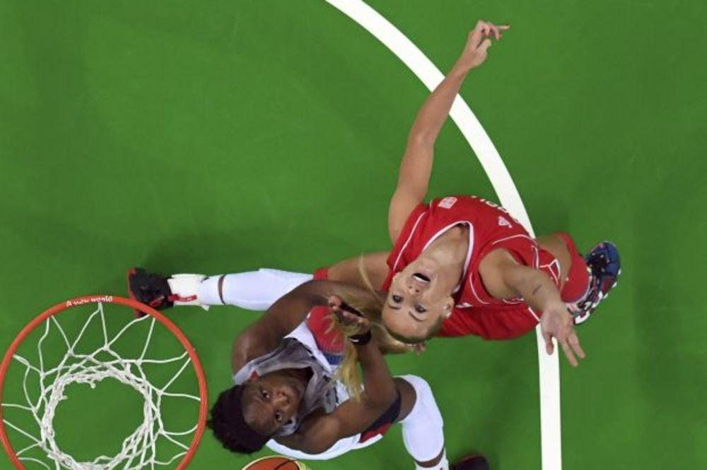 FIBA LISTA: Košarkaši Srbije treći, košarkašice devete
