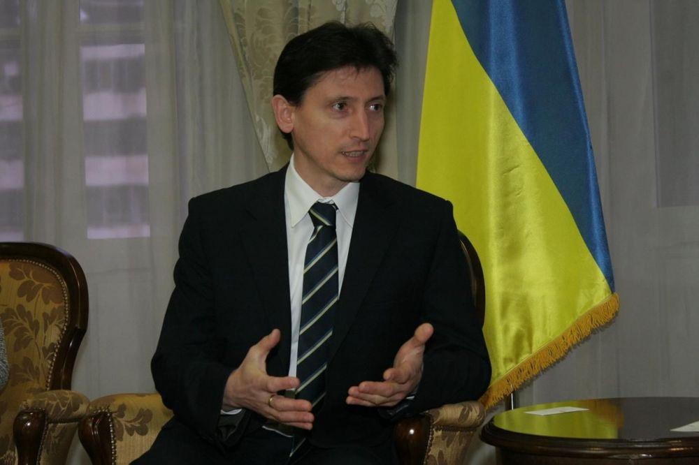 SITUACIJA NA KRIMU VEOMA ZATEGNUTA: Ukrajinski ambasador poziva na povlačenje oružja