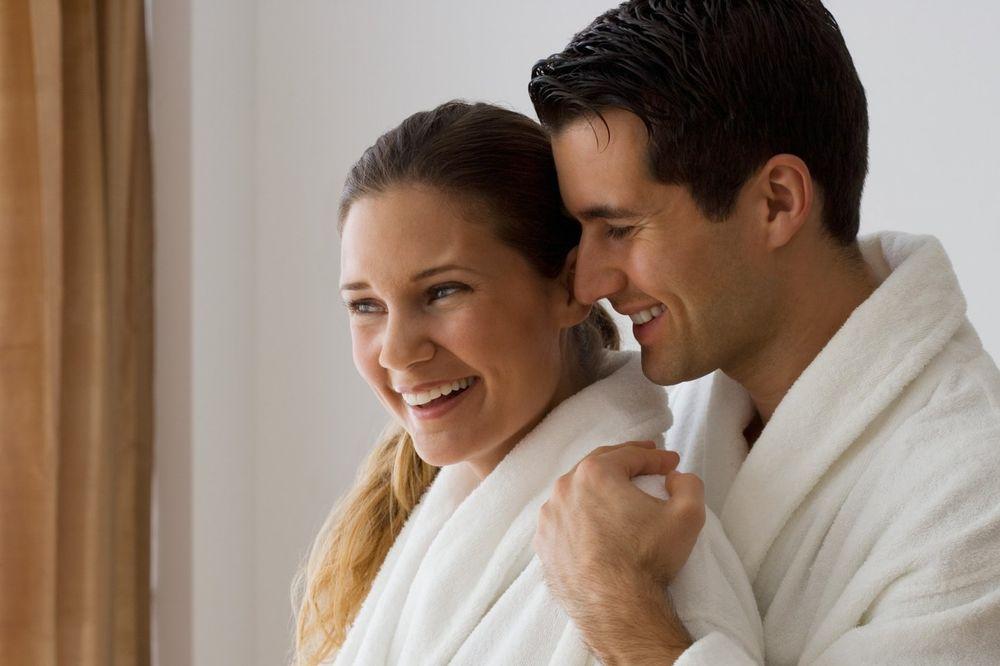 DAME, NE BUDITE U ZABLUDI: 5 nesavršenosti koje muškarci obožavaju na ženskom telu
