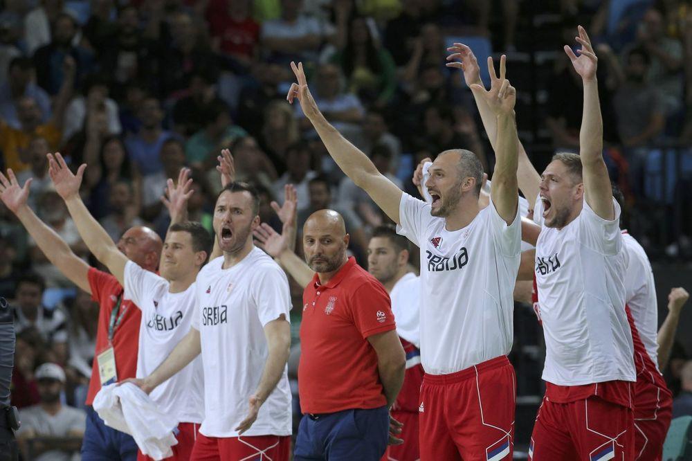 NAŠ PONOS! Pročitajte pesmu posvećenu košarkašima koja će uzburkati vaše emocije