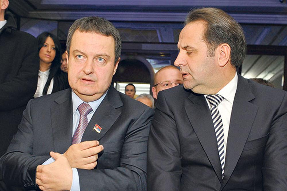 HVATA ZALET: Dačić pljuje Ljajića zbog kampanje za predsednika