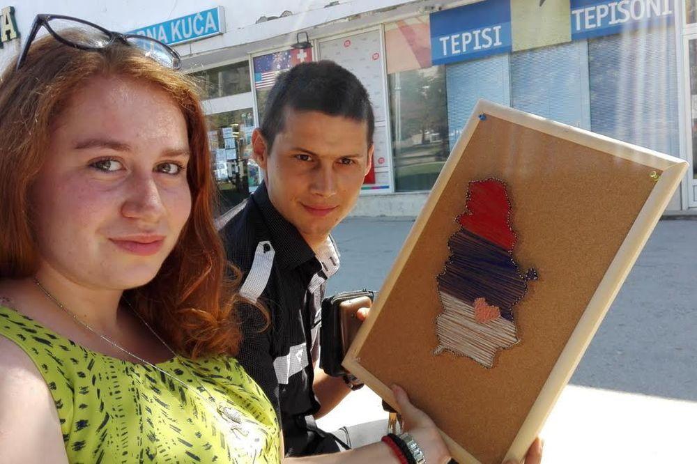 (FOTO) VOLE SE ALI VOLE I SRBIJU: Gordana iz Prokuplja ima neverovatno kreativan poklon za dečka