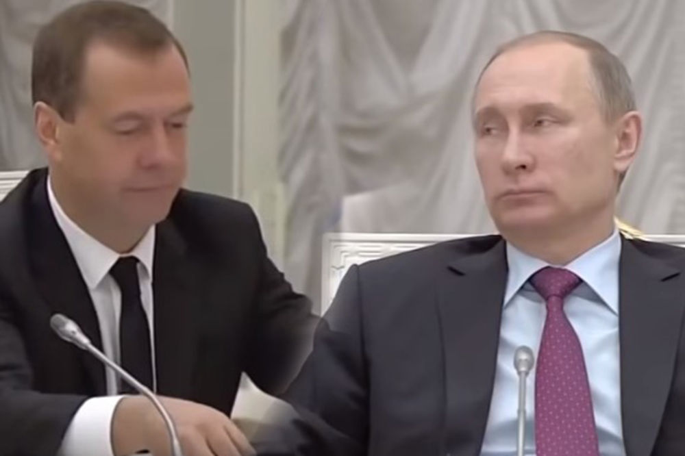 (VIDEO) MEDVEDEV ŠOKIRAO PUTINA: Igrao se dugmićima i napravio haos na sednici vrha države!