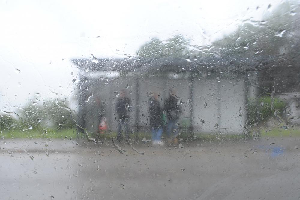 VALJEVCI, OPREZ: Stižu pljuskovi i olujni vetar, moguće nepogode, grad i bujične poplave!