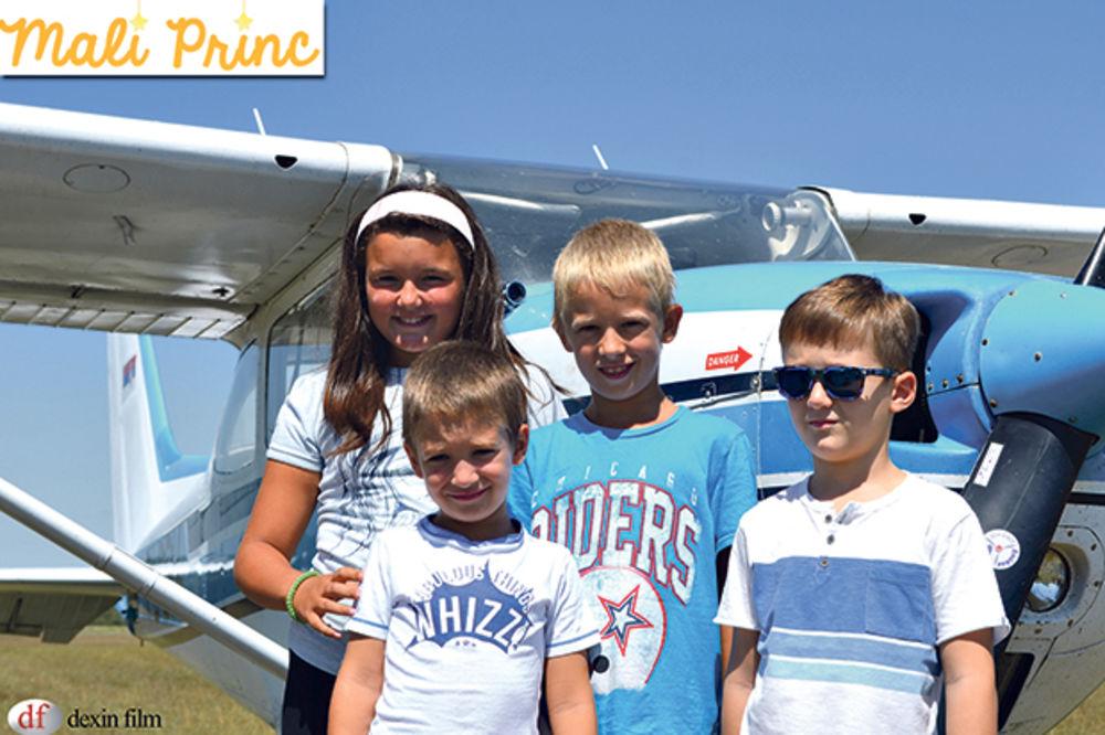 MALI PRINC: Deca letela avionom iznad Beograda