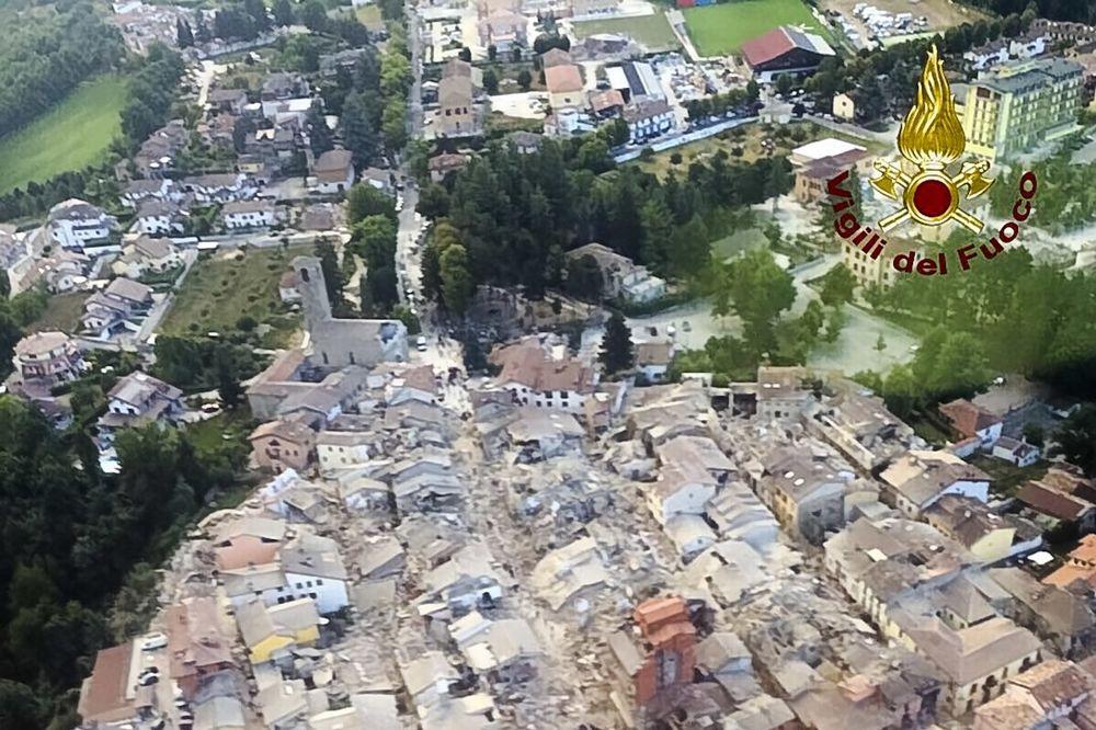 SNIMAK DRONOM POKAZAO SVU KATASTROFU: Ovako izgleda gradić koji je potpuno uništen u zemljotresu