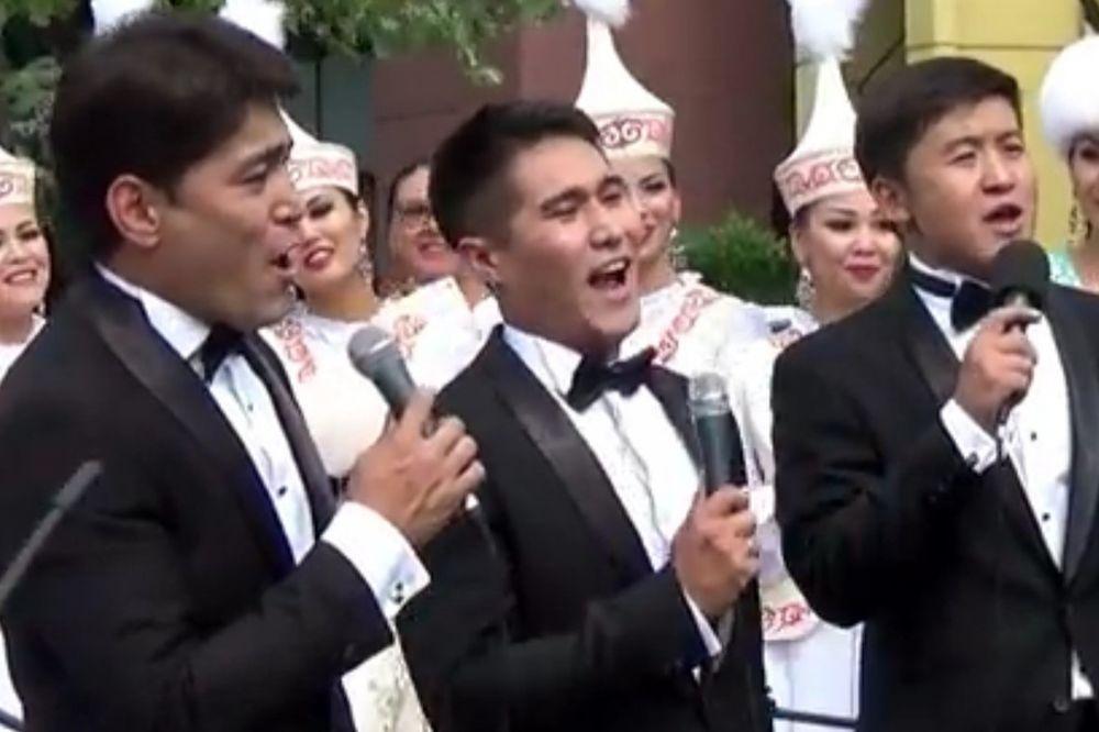 LUCKASTI SMO MI: Pogledajte kako Kazahstanci pevaju pesmu Miroslava Ilića
