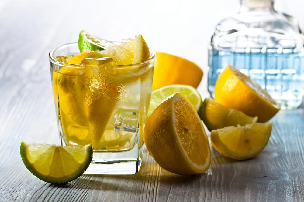BIĆETE RAZOČARANI: Posle ovog saznanja nikada više nećete stavljati limun u piće!