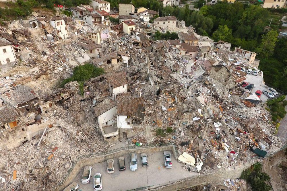 (VIDEO) NESREĆNICI NE MOGU DA SE POVRATE OD STRAHA: Više od 470 naknadnih potresa prodrmalo Italiju!