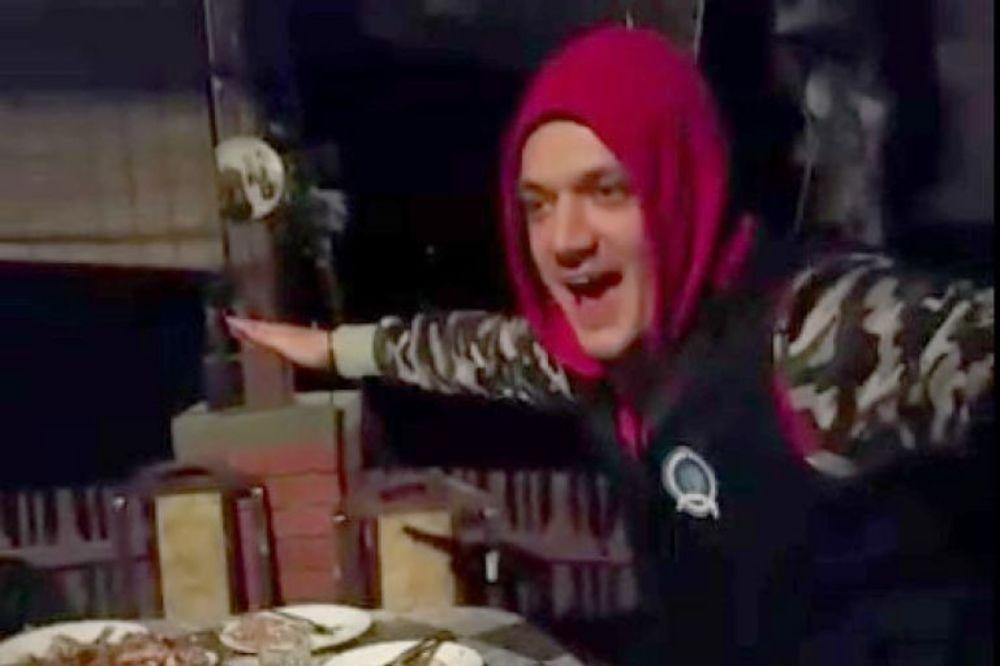 KURIR TV ZORICE, ŠTA JE OVO: Gastoz igra na stolicu sa silikonskom kraljicom Tijanom