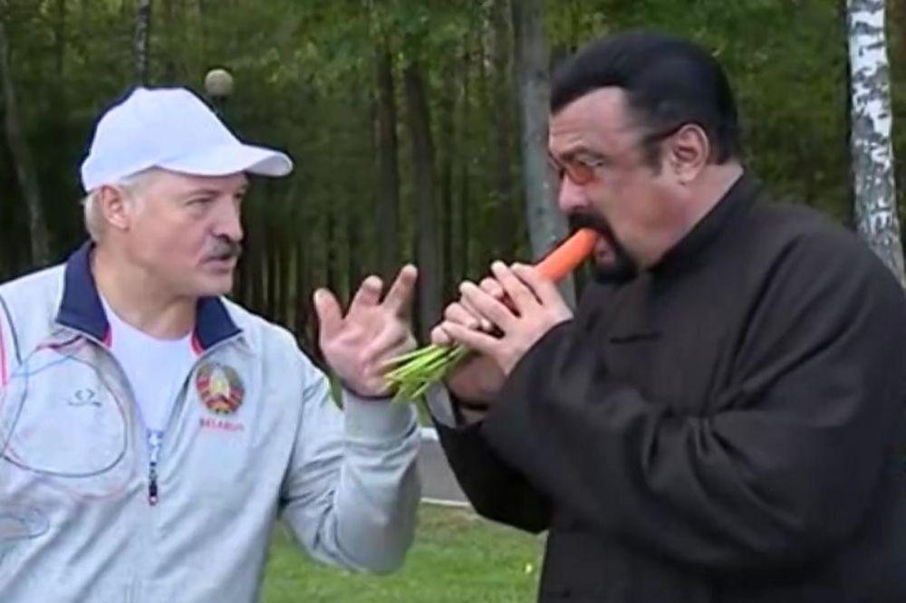 (VIDEO) ŠEFE, KOJI TI JE VRAG? Lukašenko nahranio Sigala šargarepom!