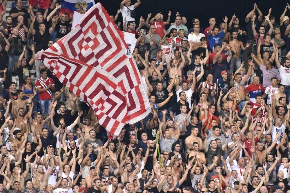 (VIDEO) FUDBALERI SASUOLA IMPRESIONIRANI DELIJAMA: Igrači se vraćali iz tunela da bi im aplaudirali