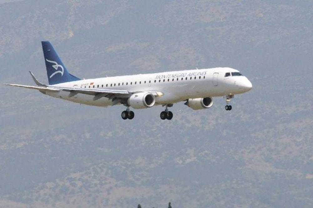 DRAMA IZNAD PODGORICE: Avionu iz Ciriha pukla guma, uspeo nekako da sleti!