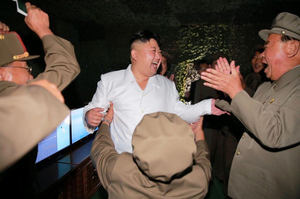 KONCERTI, PLES I VATROMET: Ovako izgleda Kimova zabava posle uspešnog testiranja balističke rakete