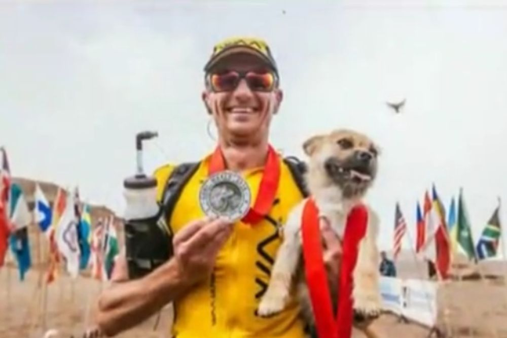 (VIDEO) NERASKIDIVA LJUBAV Britanski ultramaratonac našao psa-lutalicu kojeg je izgubio marta u Kini