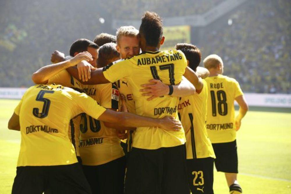(VIDEO) SIGURAN START MILIONERA: Borusija Dortmund pobedom počela novu sezonu