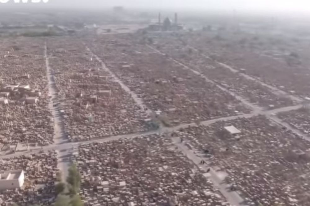 (VIDEO) POSLEDICA DECENIJA RATOVA: Na najvećem groblju s 5 miliona mrtvih ponestaje prostora