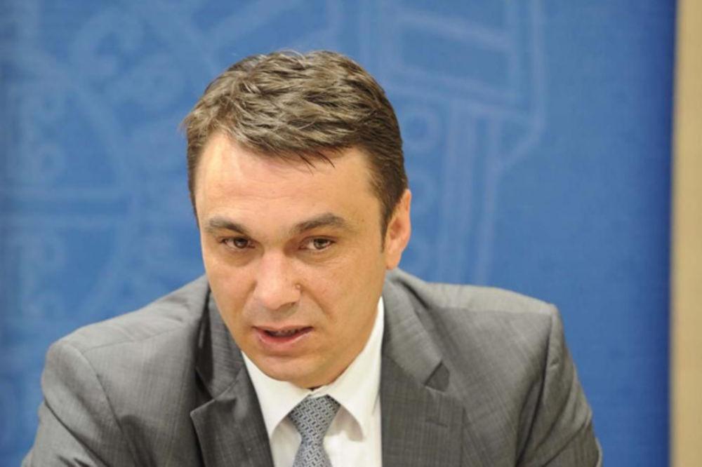 POTPUNO LUDILO IZ BOSNE POTPREDSEDNIK SDA OPTUŽIO: Vučić je u Srebrenici napao sam sebe