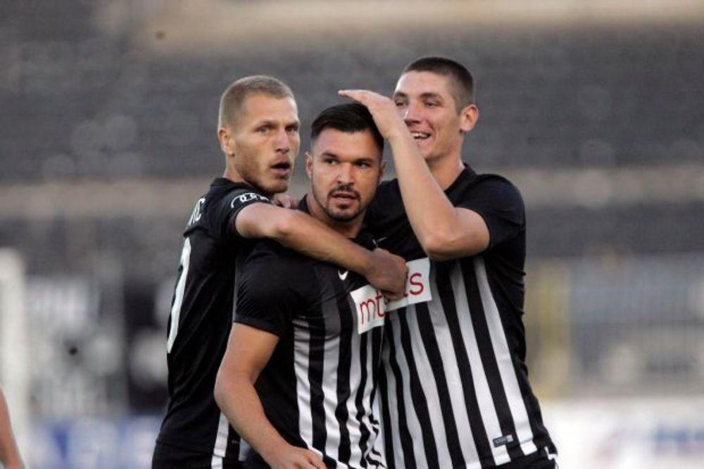 UŽIVO, VIDEO: Partizan - Rad 3:0, crno-beli bez trenera Nikolića, građevinari sa igračem manje